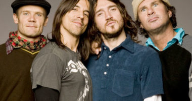 John Frusciante returns to the Red Hot Chili Peppers