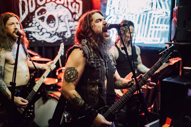 "Machine Head share Anti-Valentine's Day song ""Circle the Drain"""