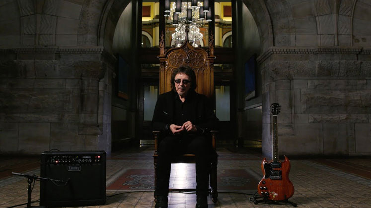 "Tony Iommi talks about Ozzy Osbourne: ""He Can't Sing"""