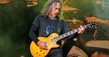 Metallica's Kirk Hammett shares a photo with his legendary guitarist
