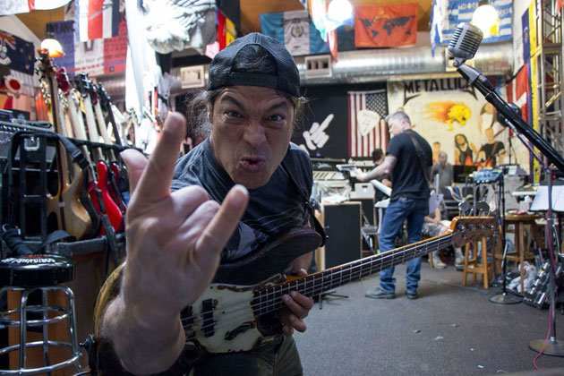 "Metallica bassist Rob Trujillo: ""I'm not like past members"""