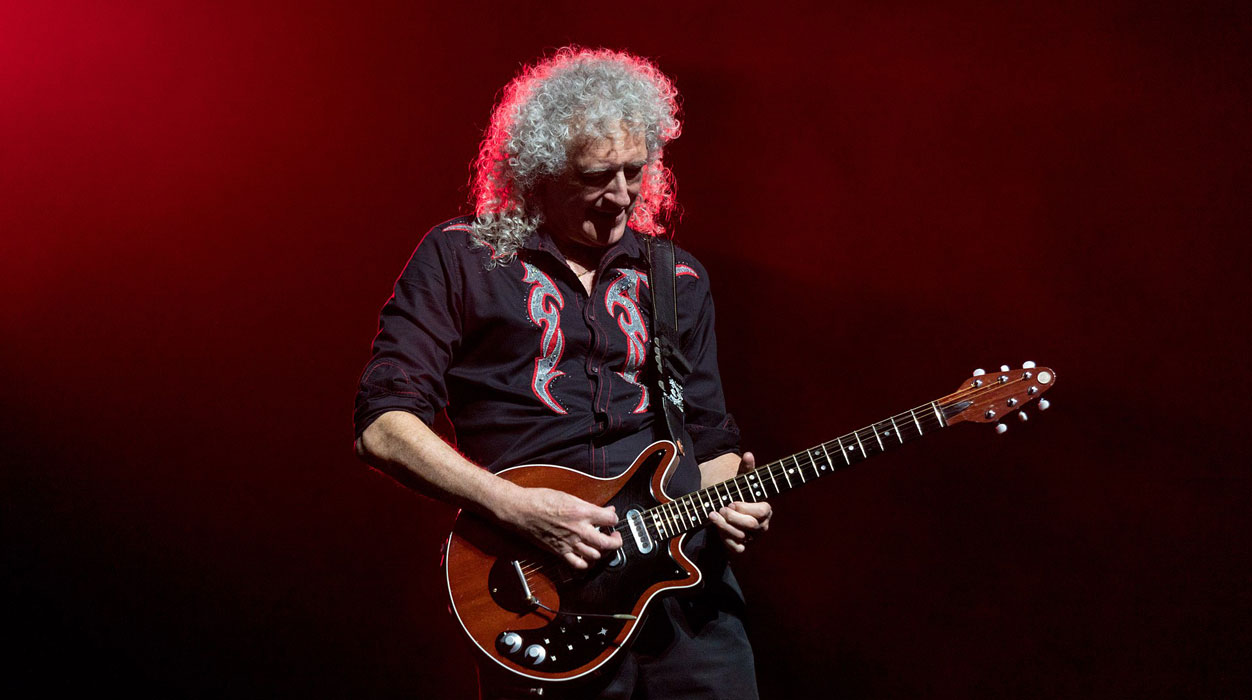 Brian May and famous guitarists cover Bohemian Rhapsody song