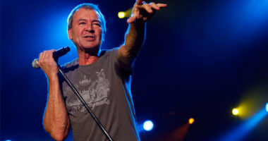 "Deep Purple frontman Ian Gillan: ""We would rather die onstage than in bed"""