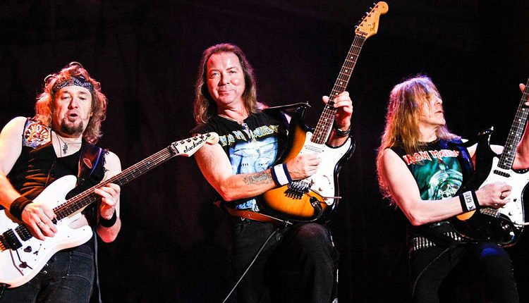 Adrian Smith Reveals IRON MAIDEN's Three-Guitar Setup Reason