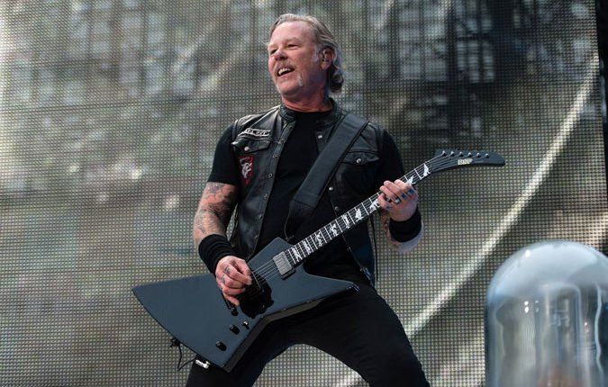 "James Hetfield on new METALLICA album: ""I've written tons of material"""