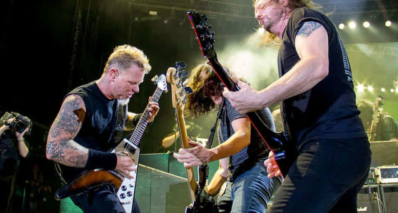 METALLICA shares 'Big Four' concert at Yankee Stadium in 2011