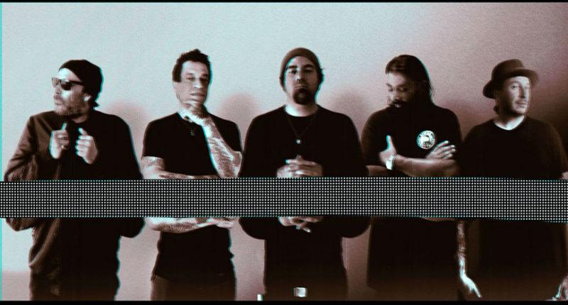 DEFTONES Frontman Chino Moreno Criticize Every Deftones Album