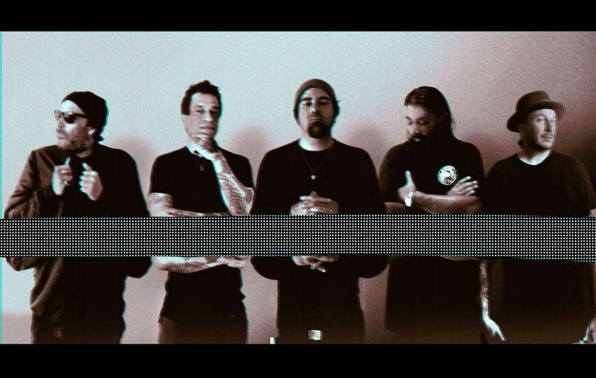 "DEFTONES Frontman Chino Moreno Reviews Every Deftones Album with ""Ohms"""