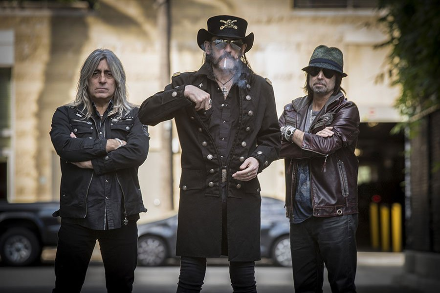 MOTÖRHEAD Shares Music Video for 'Shoot You In The Back' Live Version