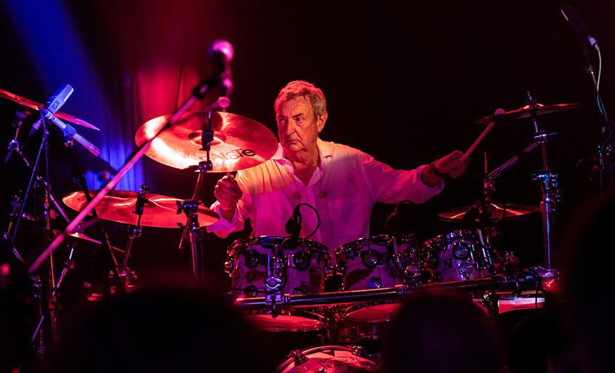 """PINK FLOYD's Nick Mason for Syd Barrett: """"A lot of mixed emotions with the whole Syd thing"""""""