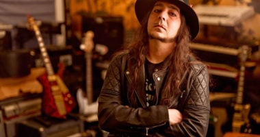 "SYSTEM OF A DOWN's Guitarist Daron Malakian on New Album: ""It's a Shame"""
