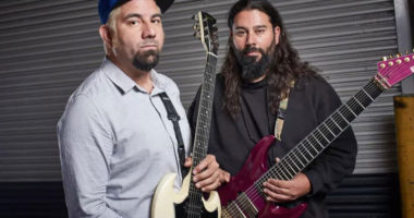 DEFTONES' Stephen Carpenter Believes the Earth is Flat and Vaccine Doesn't Work