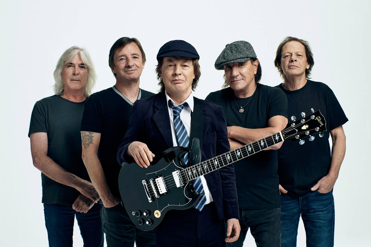 ANGUS YOUNG Reveals Most Regrettable AC/DC Song