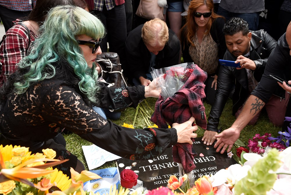 Chris Cornell's farewell was greeted with sorrow by fans.