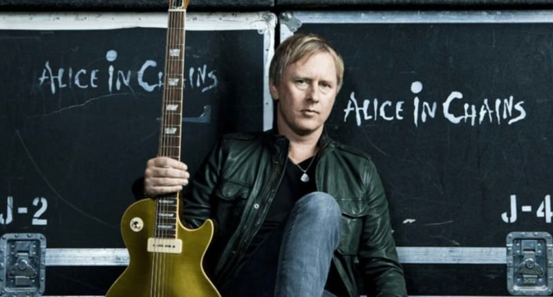 Alice in Chains guitarist Jerry Cantrell done the work for his solo album