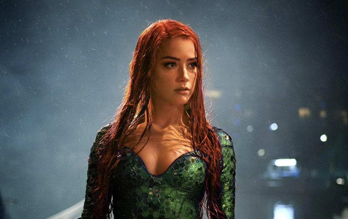 Amber Heard shares a BTS photo from Aquaman 2 movie
