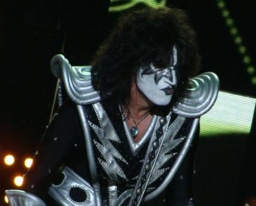 KISS Guitarist Tommy Thayer Names His Two Favourite Songs to Play