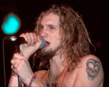 The Story Behind the Last Photo of Layne Staley