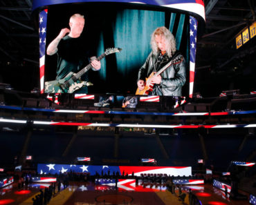 """The Interesting Story Behind Metallica's """"Nothing Else Matters"""""""