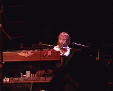 Appreciating the Keyboarding Prowess of Brent Mydland