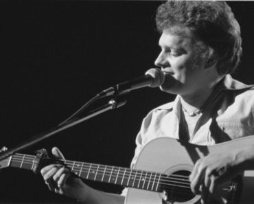 Remembering The Tragic Death of Harry Chapin