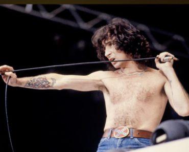 The 10 Best Bon Scott AC/DC Songs Ranked