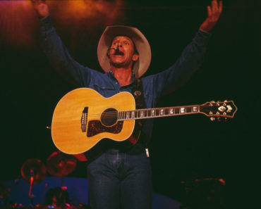 The 10 Best Chris LeDoux Songs of All-Time