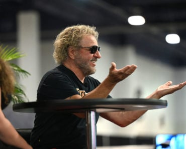 "Sammy Hagar Plans to ""Blow People's Minds"" in Las Vegas"