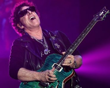 10 Things You Didn't Know about Neal Schon