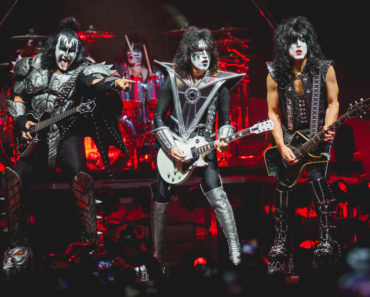 The 10 Worst Kiss Songs of All-Time