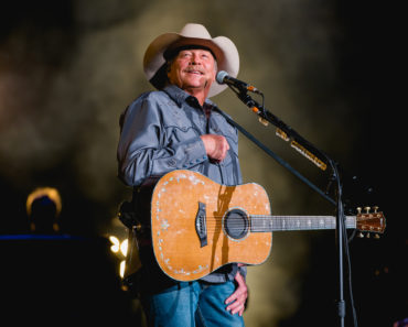 The 10 Best Alan Jackson Songs of All-Time