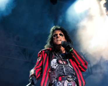 The 10 Best Alice Cooper Songs of All-Time