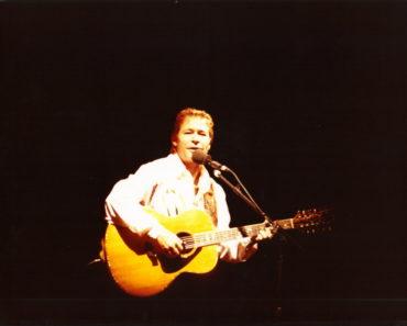 The 10 Best John Denver Songs of All-Time