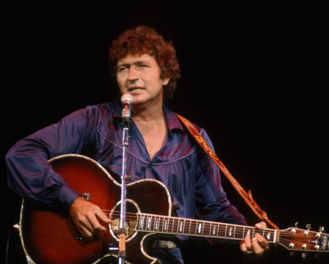 The 10 Best Mac Davis Songs of All Time