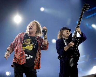 Ranking All of The AC/DC Albums